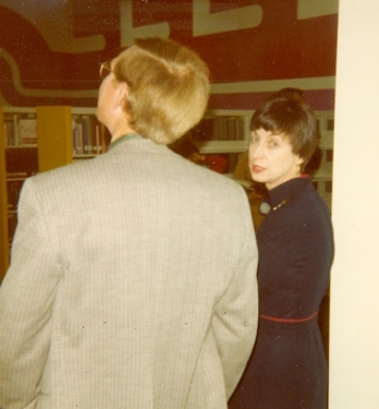 Librarian Pat Temple (r) on Dedication Day, January 8, 1977